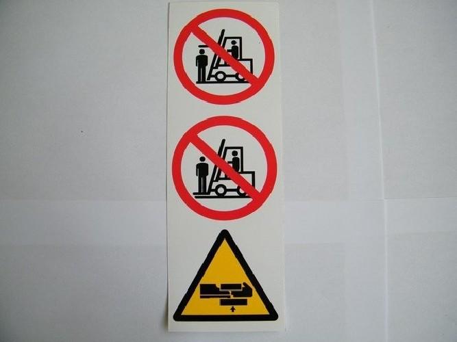 Naklejka ostrzegawcza na maszt