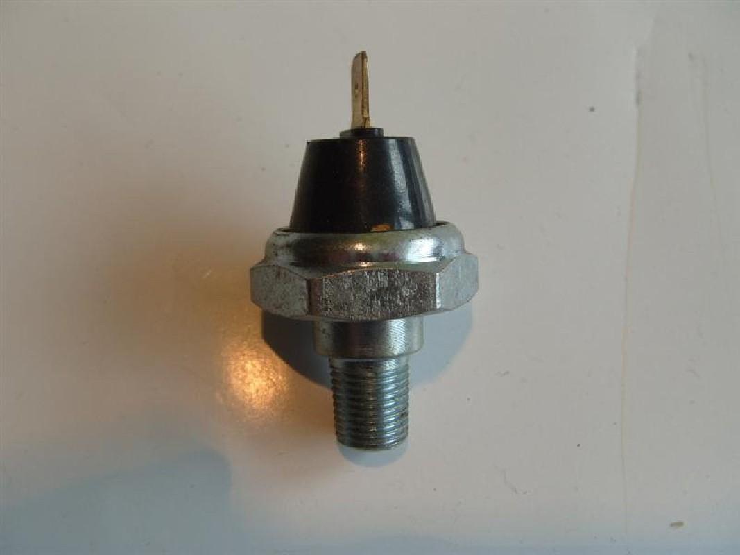 Czujnik ciśnienia oleju GPW /silnik Perkins 3 cylindry/