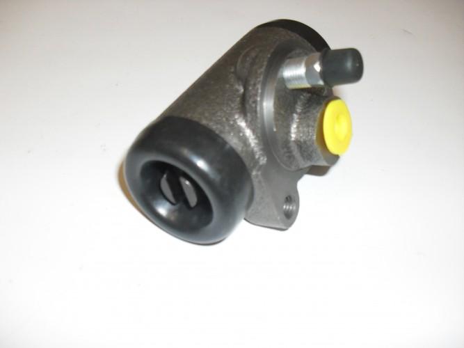 Cylinderek hamulca (przedni) RAK stary typ