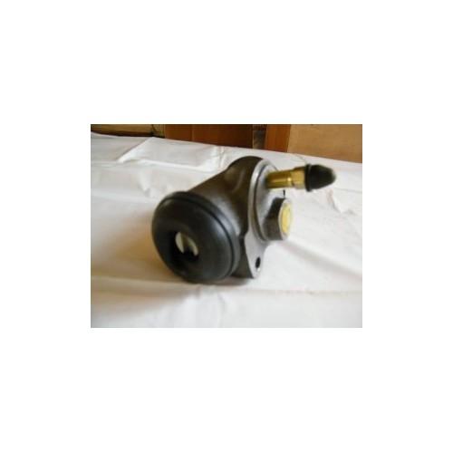 Cylinderek hamulca (przedni)